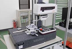 評価形表面粗さ測定機