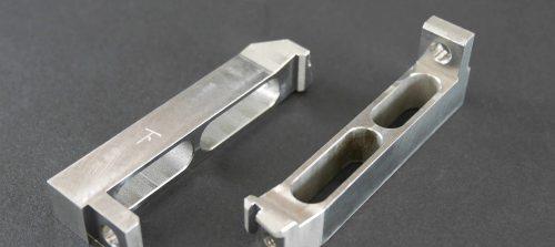 鉄/S45C/位置決め調整ブラケット/NCフライス加工(ワイヤーカット加工)