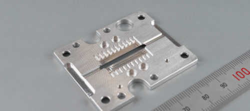 アルミ/A5052/フライス・マシニング加工/位置決めプレート