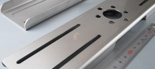 ステンレス/SUS304(2B)/レーザー加工/機器カバー