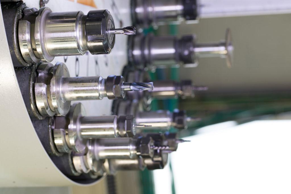 マシニングセンタの自動工具交換装置